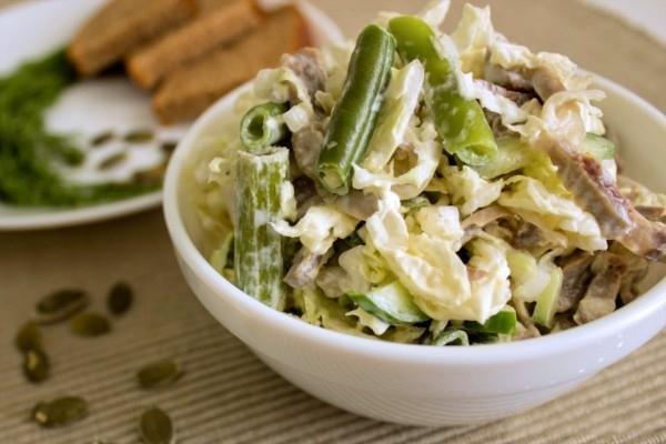 рецепт салата с куриными желудками и фасолью