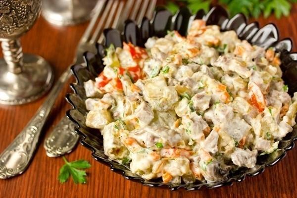 салат с шампиньонами и ветчиной фото