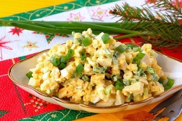 Рецепт салата из сыра с яйцом и свёклой