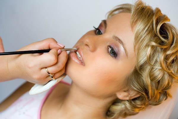 Урок визажиста Как сделать вечерний макияж из дневного