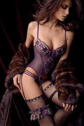 Секс фото трусики лифчики фото 52-916