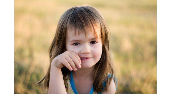 Привычка ребенка грызть ногти или ковыряться в носу может стать хронической