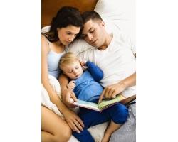Чтение детям книг на ночь