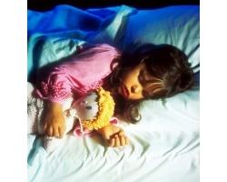 Почему ребенок должен спать отдельно от родителей