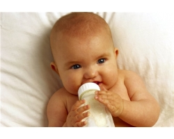 Что делать, если ребенок отказался от бутылочки и от груди