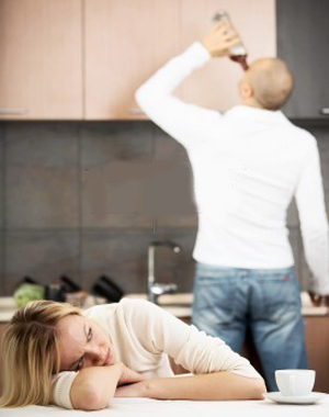 Жена связала мужа к кровати