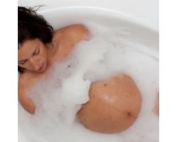 Чем опасна горячая ванна для беременных 414