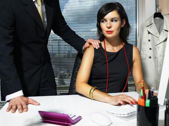 Сексуальные домогательства на работе женщины к мужчине