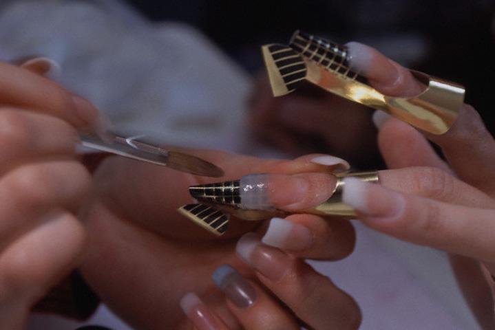Чем лучше сушить ногти