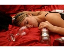 Как лечить женщину от алкоголя?