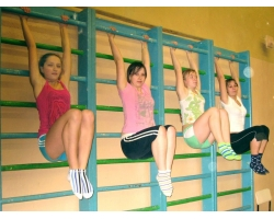 Уроки физкультуры в школах всегда, по большому счету, приносили учащимся, наравне с пользой для здоровья и...