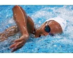 Как правильно дышать при плавании?