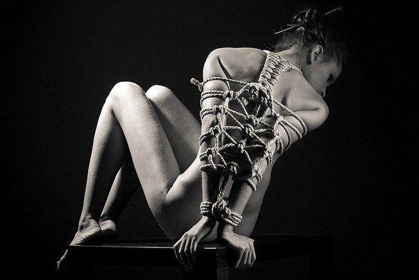 Связывание веревкой в сексе