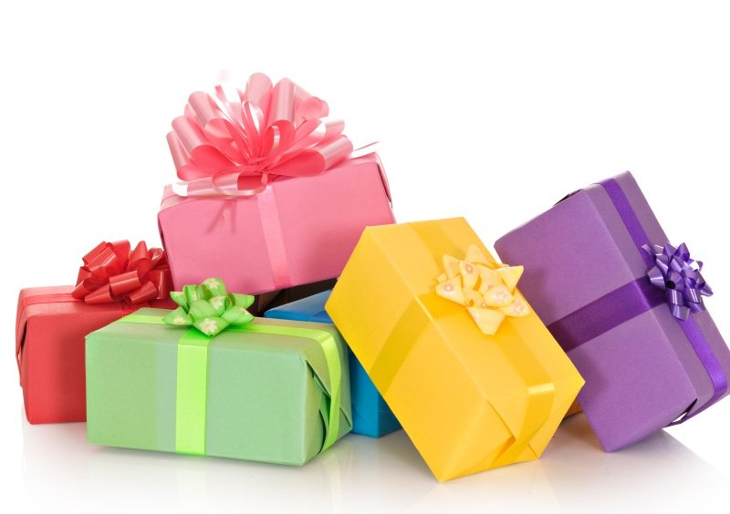 Порча с подарком на день рождения