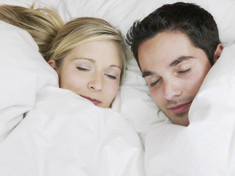 Фото спящих без одежды 5 фотография