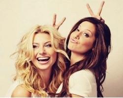 SA explicit: красивые подруги.