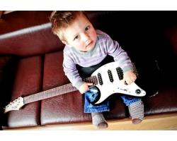Какой музыкальный инструмент выбрать ребенку?