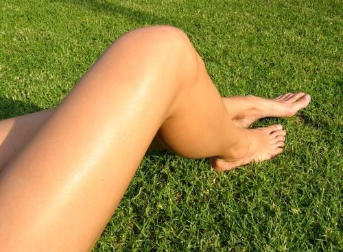 Осветление волос на ногах