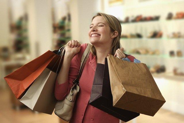 Фотографии девушек с покупками