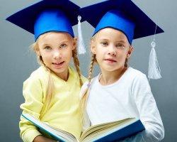 Разлучать ли близнецов в начальной школе?
