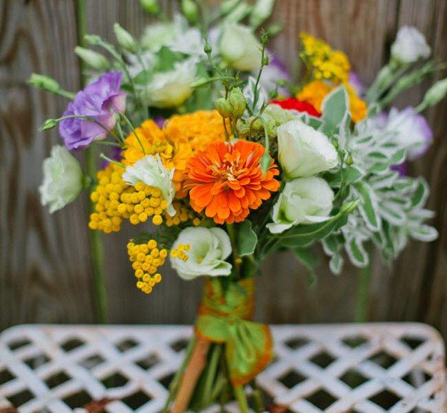 Букеты из домашних цветов своими руками фото 12