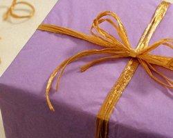 Как правильно выбрать подарок двухлетнему малышу?
