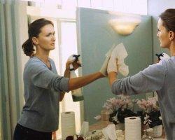 Как вымыть зеркало без разводов