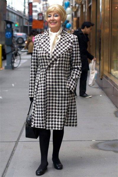 Как модно одеться в 50 лет женщине