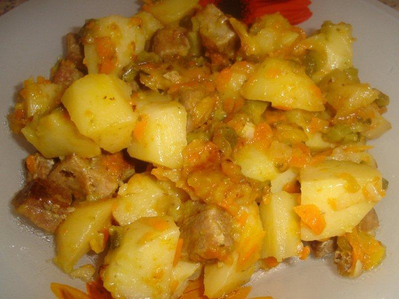 Как потушить картошку с мясом