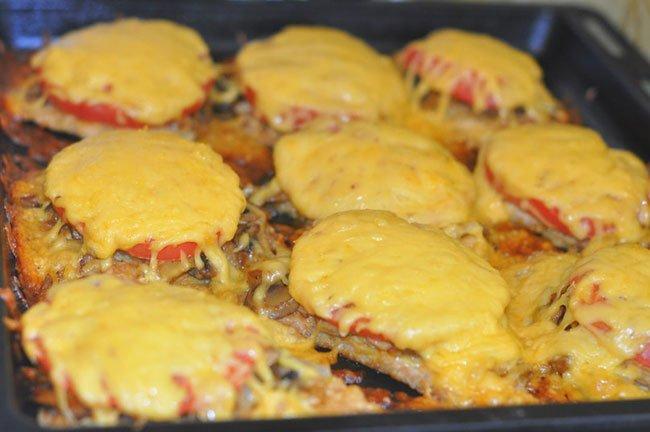 отбивные в духовке с помидорами и сыром рецепт