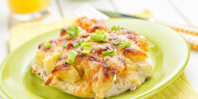 Мясо с ананасами запечённое в духовке