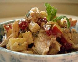 Салат с курицей и грецким орехом. Рецепты для новогоднего стола