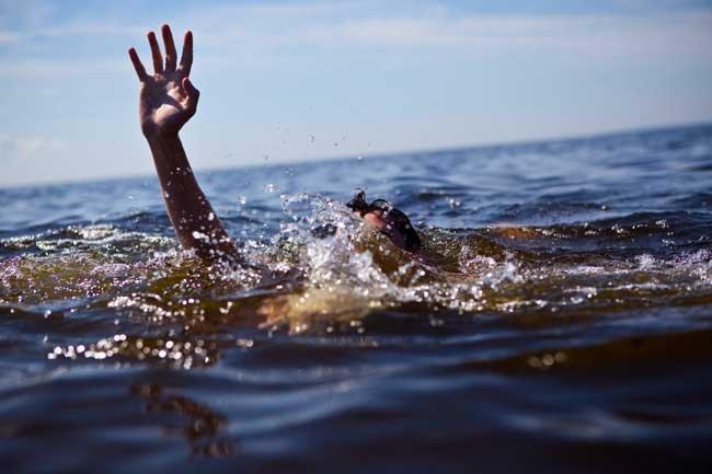 сонник сын тонет в грязной воде