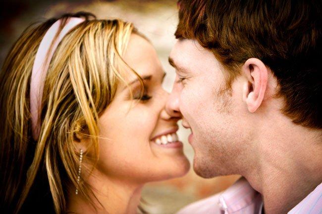 Как сделать так чтобы парень захотел тебя поцеловать