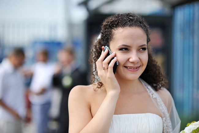Русская девушка сосет и разговаривает по телефону шапочка дрочка смотреть