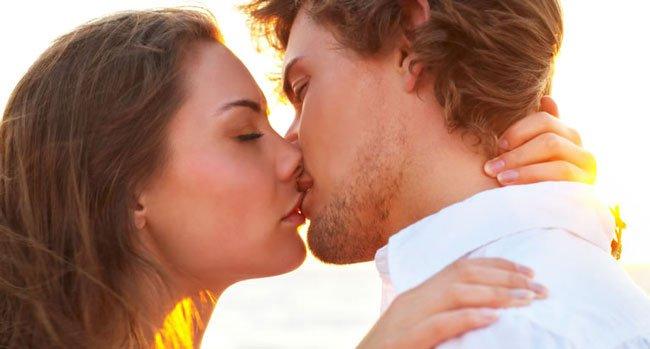 фото поцелуй страстный губы