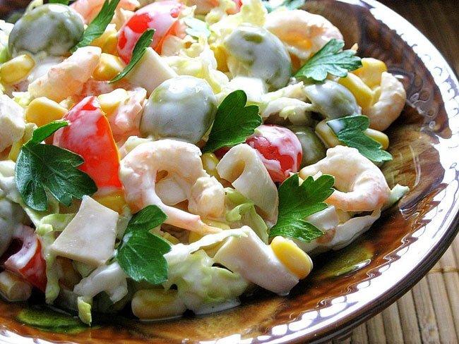 Вкусные салаты с пекинской капустой и креветками