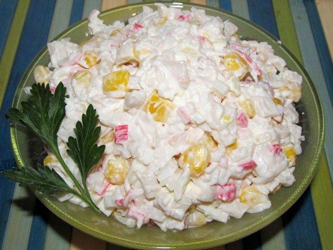 Салат из крабового мяса рецепт классический