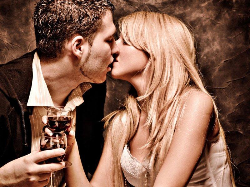 Девушка занимается со мной сексом но целоваться отказывается