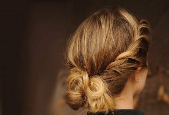 Красивые и лёгкие причёски на средние волосы