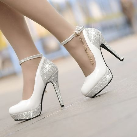 Комментарий: Правильно подобранная обувь заставит заиграть самое скромное платье или наоборот, испортит все впечатление. Как правильно подобрать туфли на
