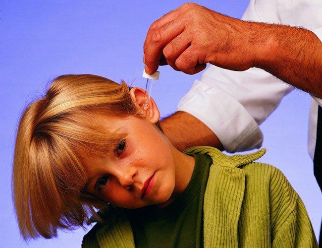 Вода в ушах. Причины, симптомы и признаки, удаление 87