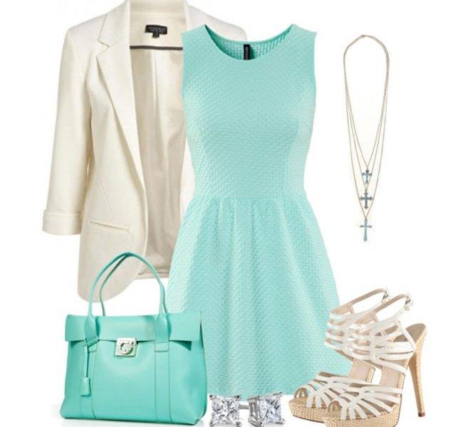 С чем носить белые босоножки: голубое платье и белый пиджак