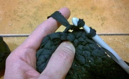 Как связать коврик крючком для начинающих из тряпок пошаговая инструкция