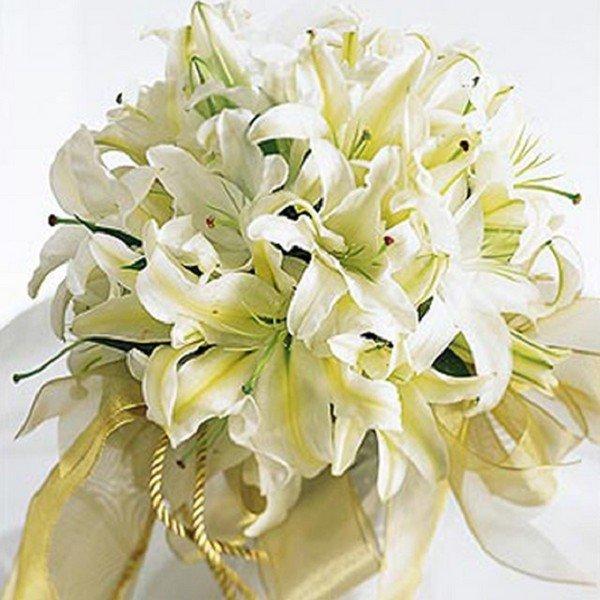 Принято ли дарить цветы на свадьбу