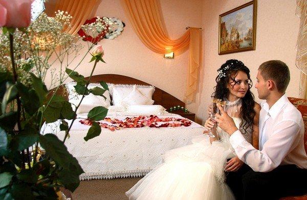Смотреть видео первых брачных ночей