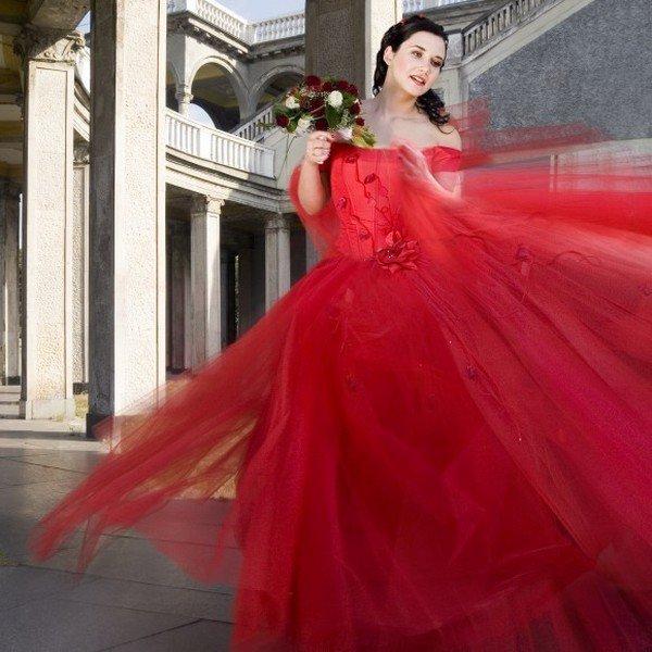 В каком цвете платья выходить второй раз