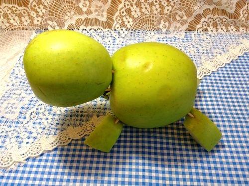 Поделки из целых яблок 784