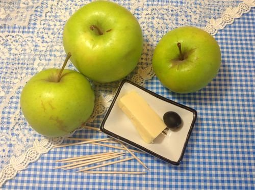 Поделки из целых яблок 721
