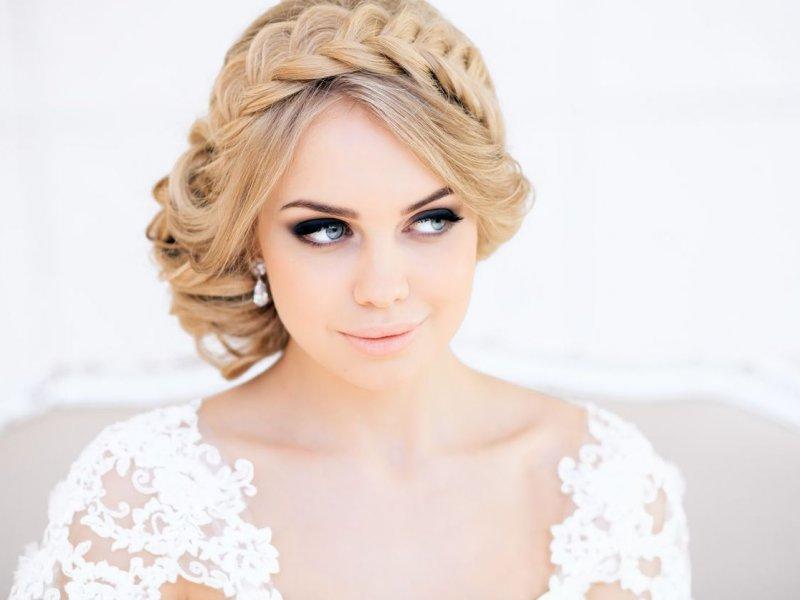 Невеста причёски